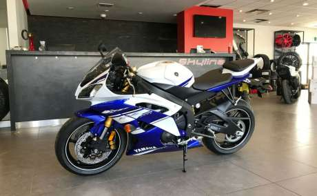 2014 YAMAHA YZF-R6 NEW OLD STOCK NO KMS!$65.27 BI-WEEKLY,$0 DOWN