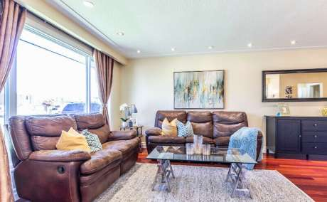 Beautiful Cheap Priced Home In Most Popular Mississauga Location